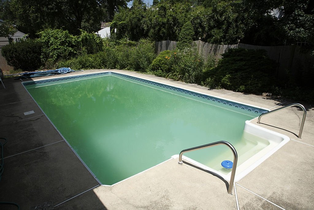what-causes-a-pool-to-turn-green